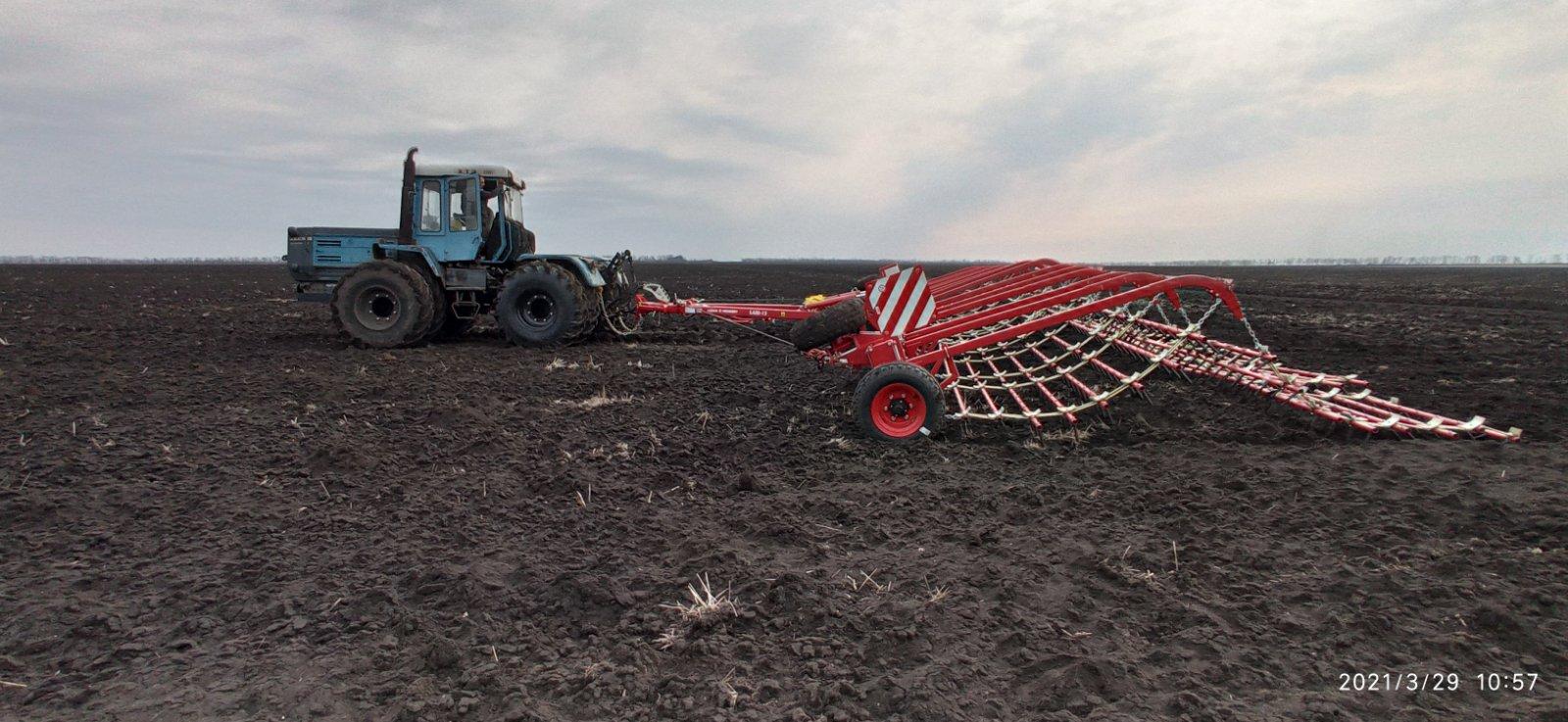 Аграрии выбирают зубовую шлейф-борону ЛАРИ LOZOVA MACHINERY для весенней обработки почвы
